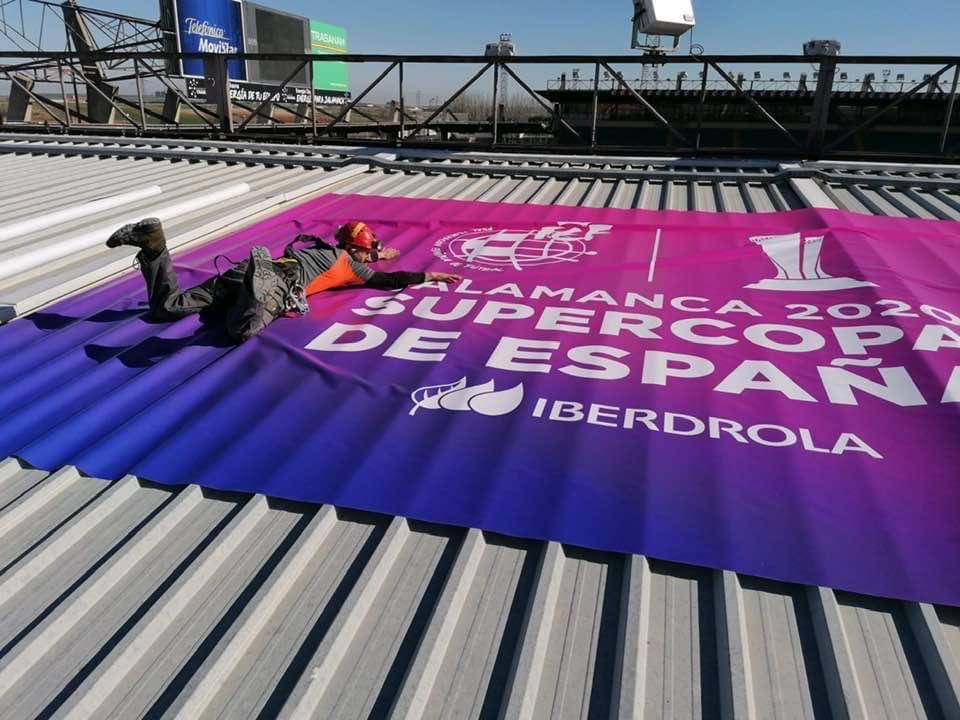 Impresión y colocación lona Supercopa de España Femenina